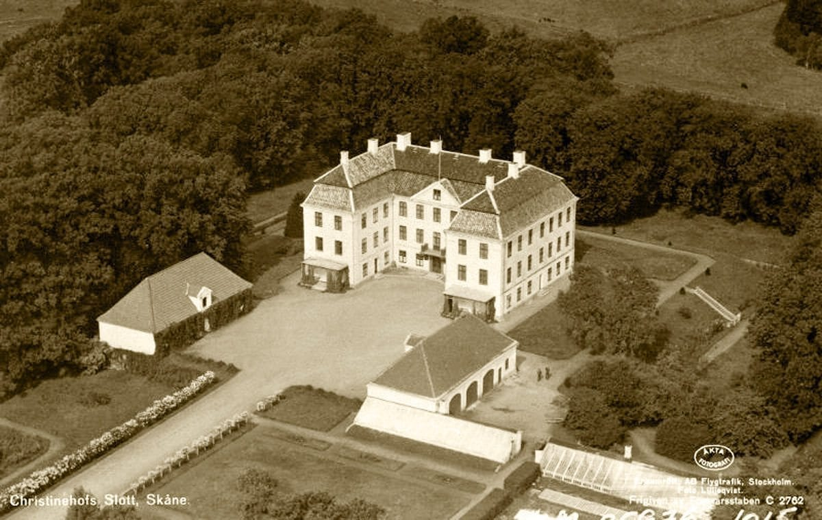 Christinehof vykort 1935 som visar trädgården vid Christinehof