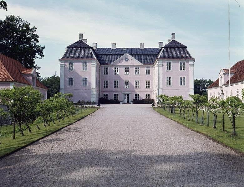 Christinehof 1974 Christinehof var rosafärgat fram till början av 1990-talet